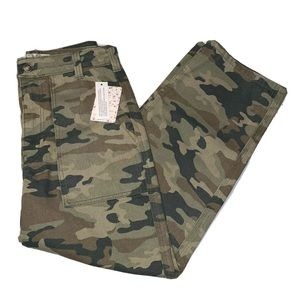Free People Remy Pant Camo Printed Jeans Size 28